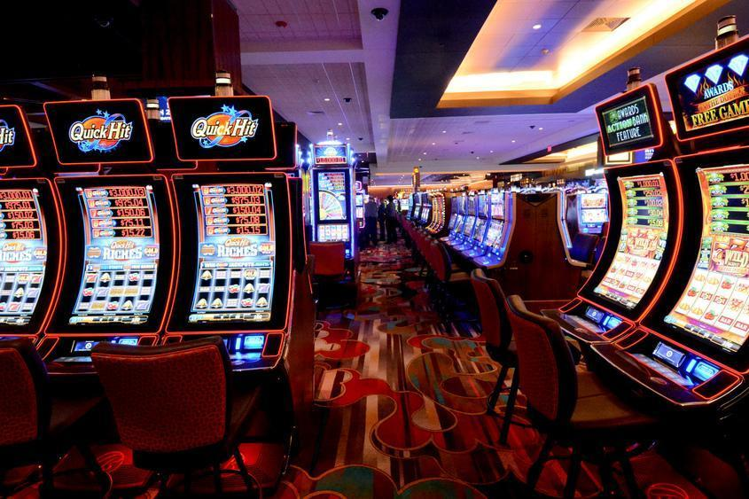 Eight Quick Tales You Did not Learn about Online Gambling Sites